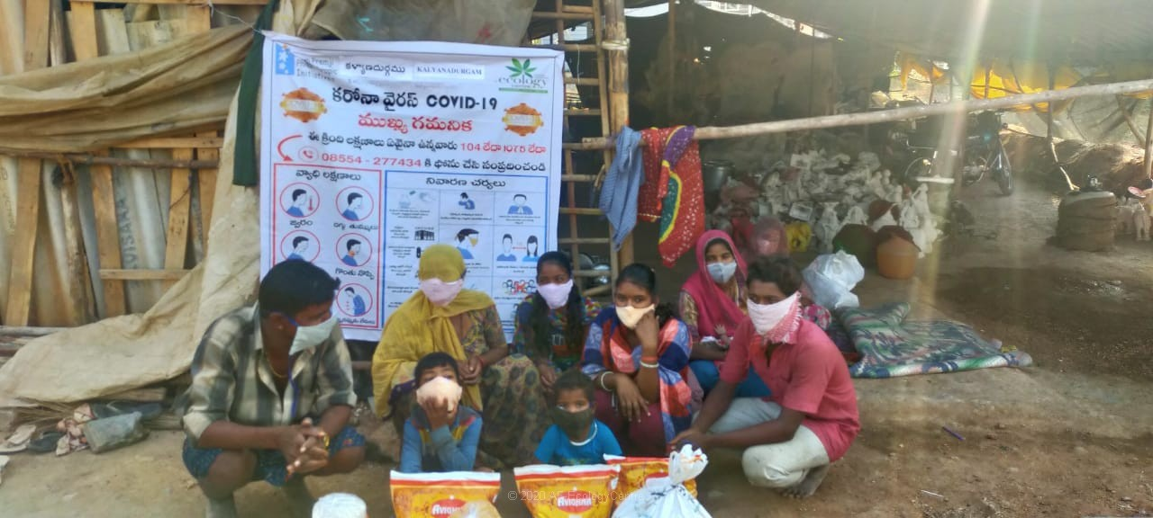 Distribution of ration to migrant workers from Jharkhand during Covid-19